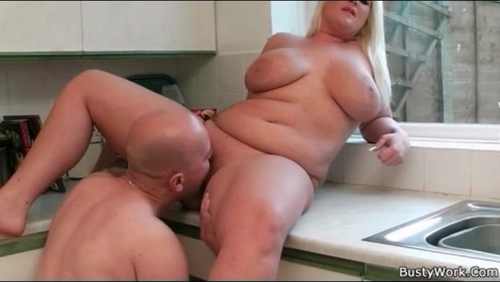 Thick White Girls Masturbating