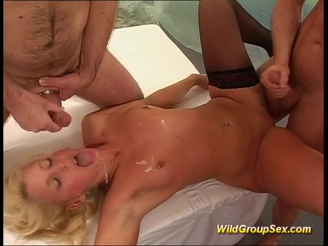 Squirting Anal Loving Teen