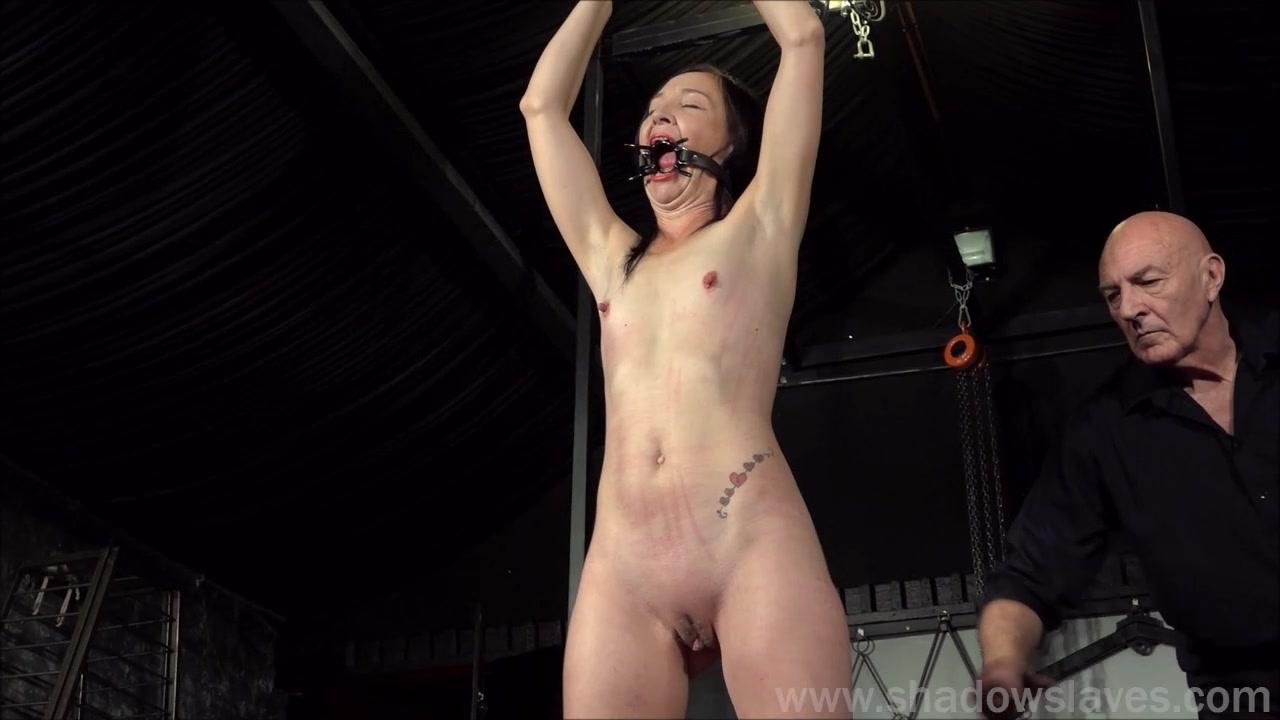 Labia torture tube bdsm
