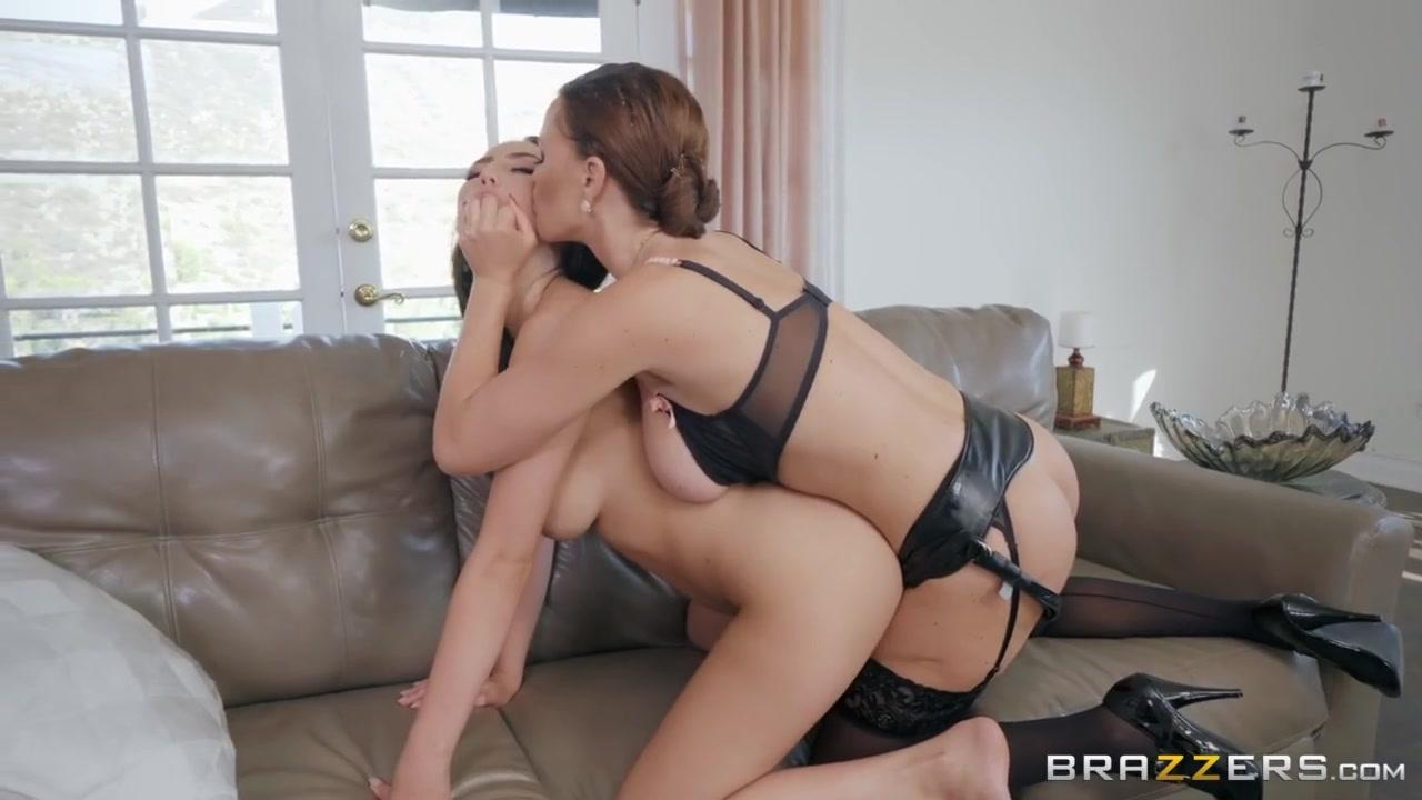Milf Young Lesbian Strapon