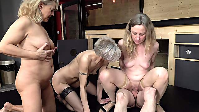 Matures in a crazy group fuck on the same dick