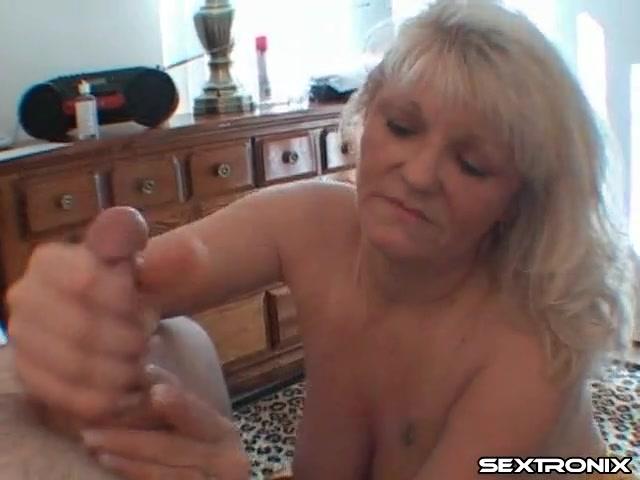 ELLEN: Mature cock stroker
